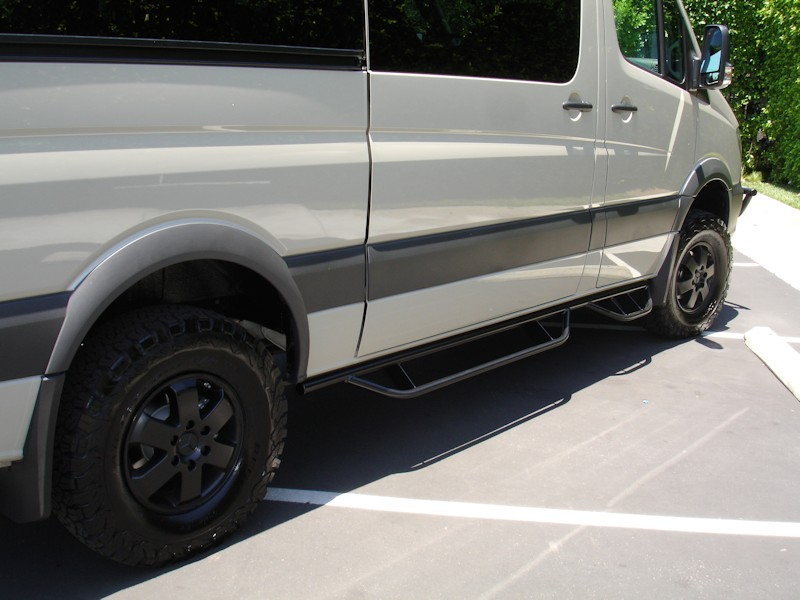 Lifted Ford Expedition >> Mercedes Sprinter Nerf Bars | Aluminess